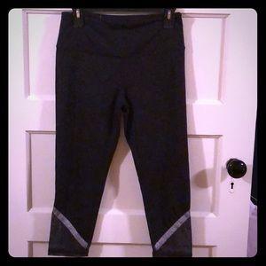Victoria Secret sport Capri legging, like new